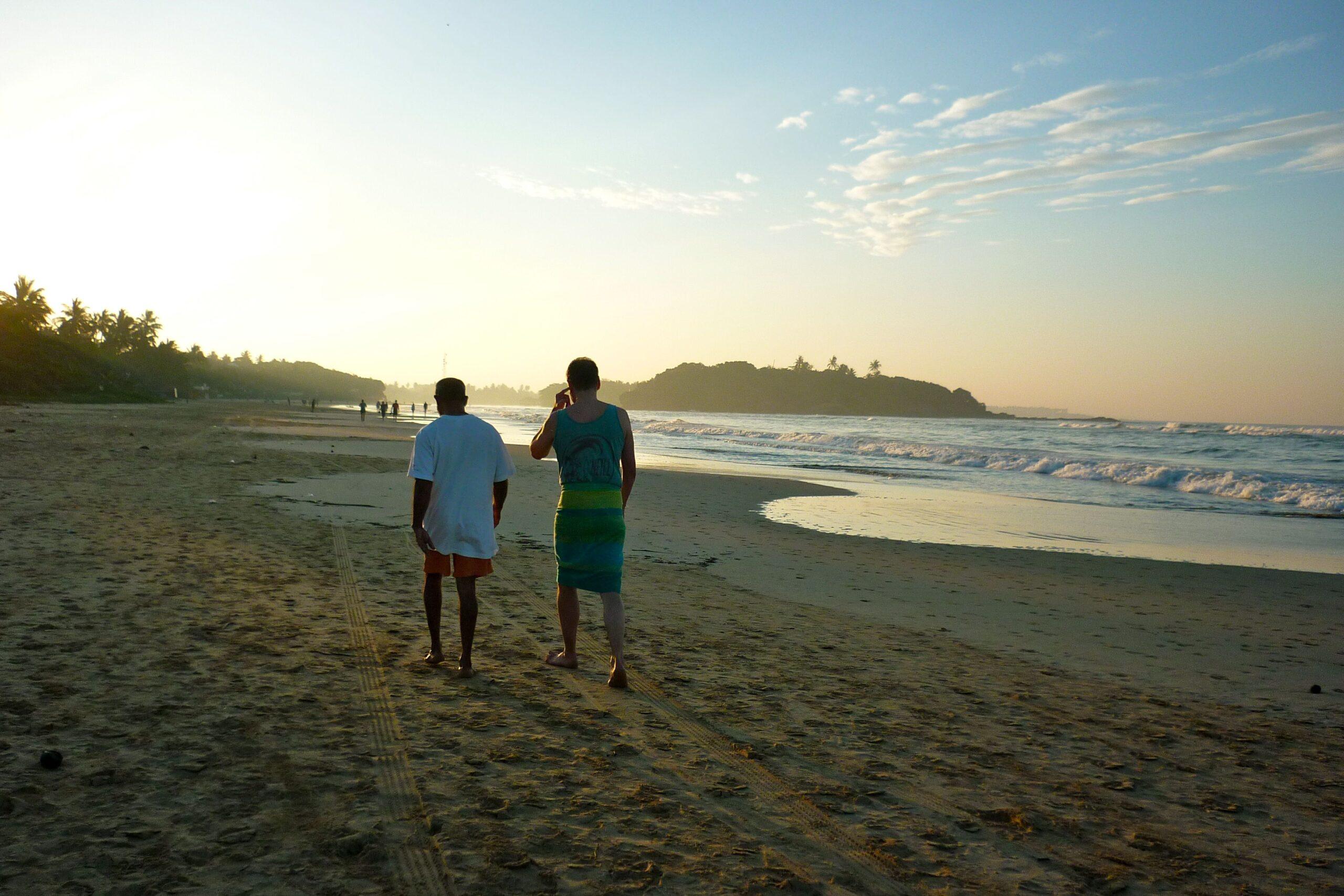 Entspannung pur in jedem Jahr jeden Morgen mit Noble Mendis zum Sonnenaufgang am Strand von Beruwala.